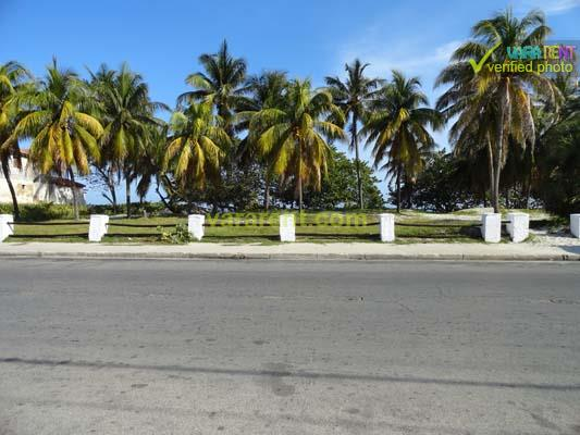 Varadero Great Apt Near the Beach - View from the house to the beach avenue
