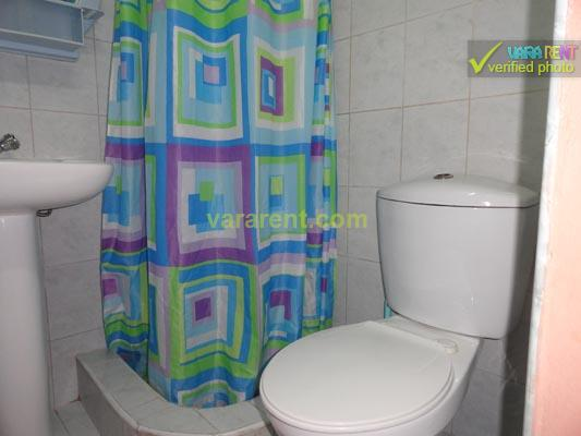 Patria - Small bathroom with cold and hot water