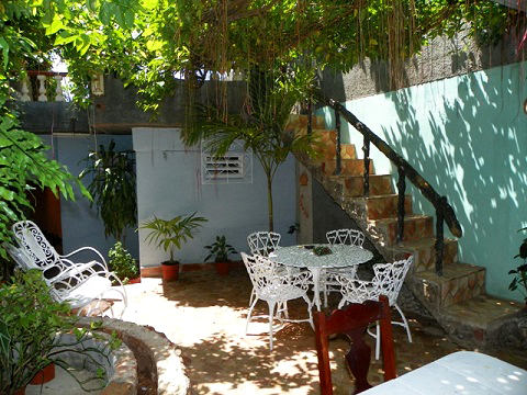 Roca Verde - Warm and cozy terrace and garden
