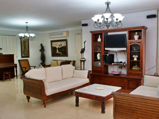 Villa Balari - Living room with TV and other