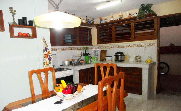 Yamila - Dining room and full equipped kitchen